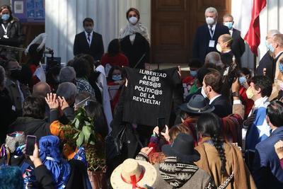 Chile reanuda inicio de convención constitucional tras pausa por protestas