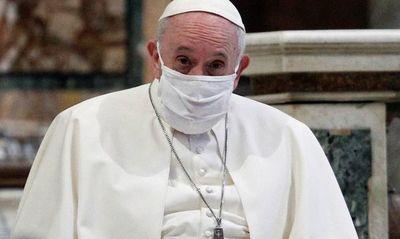 Internan al Papa para una cirugía programada
