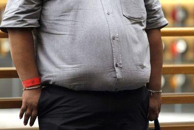 Vacunación: Nutricionistas cuestionan que se valide la obesidad con tickets de balanzas electrónicas