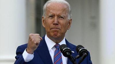 """Joe Biden: """"EEUU está cada día más cerca de declarar su independencia del virus mortal del COVID"""""""