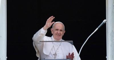 La Nación / El papa Francisco permanecerá internado por siete días tras operación del colon