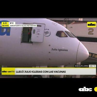 """¿Por qué """"Julio Iglesias"""" trajo las vacunas a Paraguay?"""