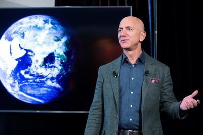 Jeff Bezos deja de dirigir Amazon 27 años después de fundar la compañía