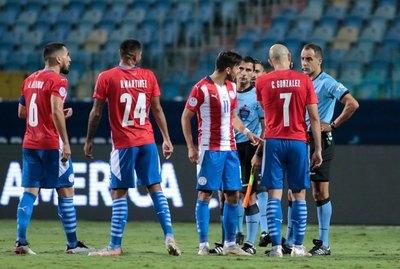 El jugador albirrojo que se lució con los 'quites' ante Perú en cuartos de final