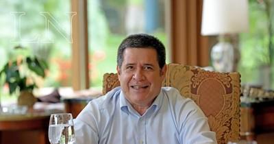 La Nación / Saludan al expresidente Horacio Cartes por su cumpleaños