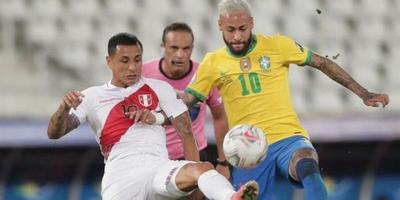 Copa América: Con presencia arbitral paraguaya, Brasil y Perú definirán al primer finalista