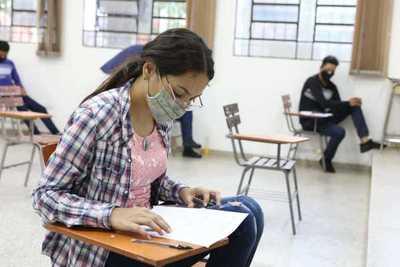 Mediante convenio jóvenes estudiarán y trabajarán en empresa multinacional