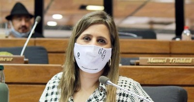 """La Nación / """"Olvidamos que somos un poder del Estado y debemos hacer autocrítica"""", dice diputada"""