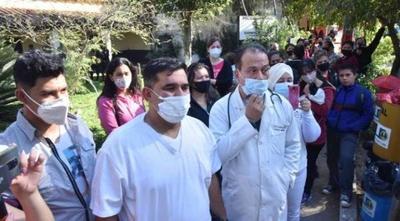 Médicos amenazan con encadenarse si Borba no destituye a directora del Hospital de Limpio – Prensa 5