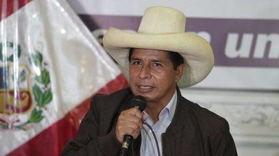Castillo rechaza las acusaciones de financiamiento irregular a su campaña electoral en Perú