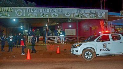 Dos muertos y un herido tras discusión de pareja en un bar