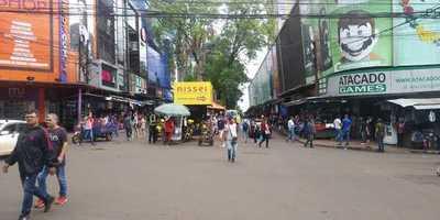 """Comerciantes lamentan desinterés del Gobierno para hacer frente a las """"lojas francas"""""""