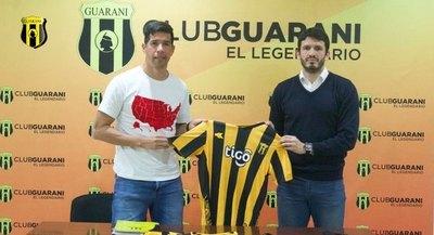 'Topo' Cáceres, presentado oficialmente en Guaraní
