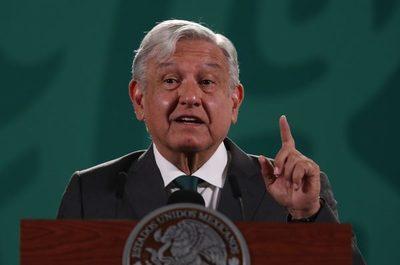 Presidente de México propone un Nobel para creadores de la vacuna anticovid