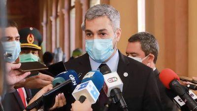 """Abdo promulga ley, pero deja """"en manos de entes"""" la transparencia"""