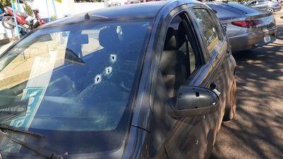 Disparan contra móvil donde iban funcionarios de la Municipalidad de PJC