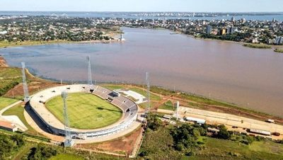 Duarte Frutos indicó que la mejoras del estadio pueden esperar