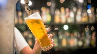 Ejecutivo reduce impuesto a las bebidas