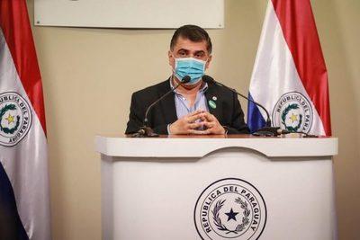 Anuncian inmunización para docentes, policías, militares y trabajadores de prensa