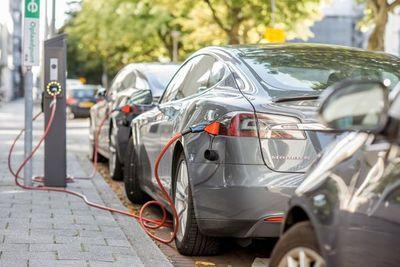 CADAM: El paso a los vehículos eléctricos es ineludible en Paraguay y hay que establecer normativas