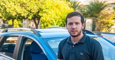 La Nación / Emprendedores LN: joven revoluciona con primera app nacional de viajes con pago en bitcóin
