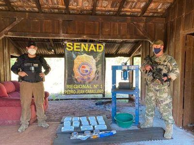Detectan laboratorio clandestino de cocaína en predio rural de Pedro Juan Caballero