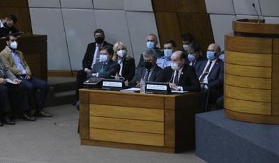 Conformarán comisión, tras reunión reservada en Diputados