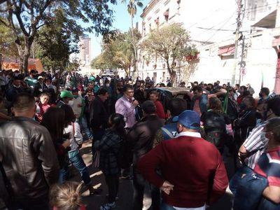Campesinos exigen urgente revisión de acuerdo firmado con el Gobierno
