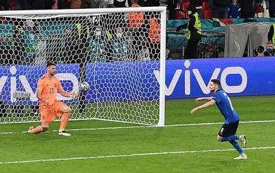 Italia elimina a España en los penales y es el primer finalista