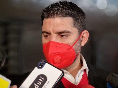 Nenecho Rodríguez presentó renuncia ante la Junta Municipal de Asunción. Mañana se designará a su sucesor