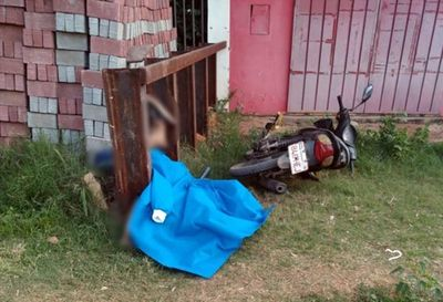 Robó una moto en llanta, se estrelló y murió