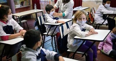 La Nación / Gobierno uruguayo anuncia retorno gradual a las aulas