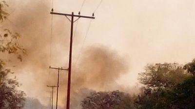 Incendio forestal deja sin  electricidad  Alto Paraguay
