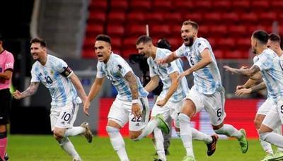 Argentina gana en penales y definirá la Copa América con Brasil