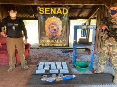 Senad detecta más de 12 kilos de cocaína en Pedro Juan Caballero