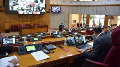 Senadores amplían castigos sobre violencia doméstica