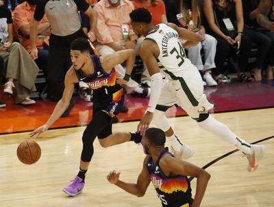 NBA: Los Suns toman ventaja ante unos Bucks que recuperan a Antetokounmpo