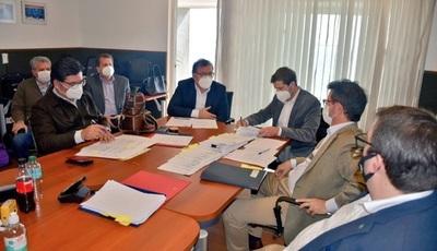 Aprueban convenios de apoyo a la Salud y la Educación en Comité Ejecutivo de la EBY