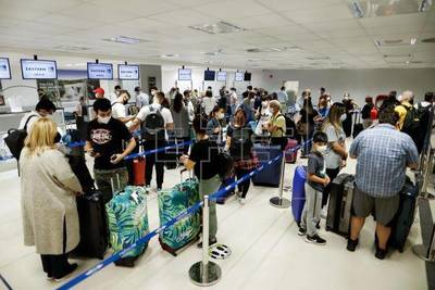 Argentinos vienen a Paraguay a esperar ante imposibilidad de entrar a su país