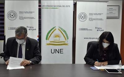 UNE y STP establecen vínculos interinstitucionales para formación de Recursos Humanos competentes