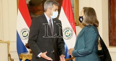 La Nación / Abdo Benítez agradece donación de vacunas al gobierno de Biden, tras confirmación de envíos