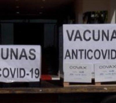 Diputados quieren que Covax devuelva dinero de vacunas