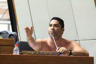 Diputado propone Ley para multar a redes sociales – Prensa 5