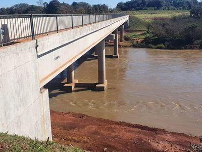 Habilitan puente sobre el río Monday en Alto Paraná