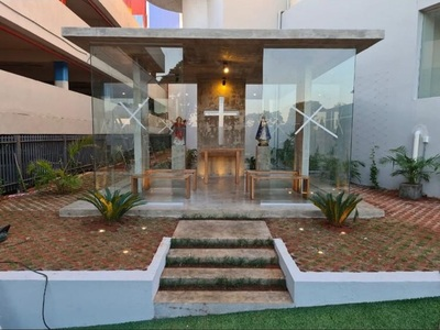 Cerro Porteño habilitó una capilla y otras mejoras pedidas por Arce