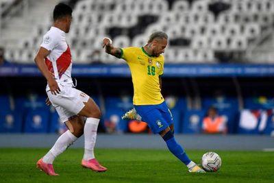Primer entrenamiento de Brasil con la mira puesta en la final con Argentina