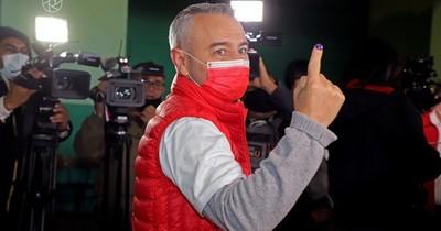 La Nación / Tras breve aventura electoral, Abdo devuelve a Centurión a su gabinete ministerial