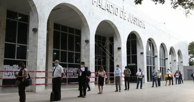La Nación / Sindicato de Funcionarios Judiciales pide que funcionarios sean vacunados contra el COVID-19