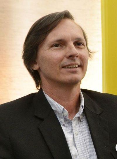 "Franco Troche dice que seudo opositores se aliaron a cartismo para ""distraer"" fondos comunales para campaña"