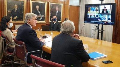 Uruguay anunció que comenzará a negociar acuerdos comerciales por fuera del Mercosur